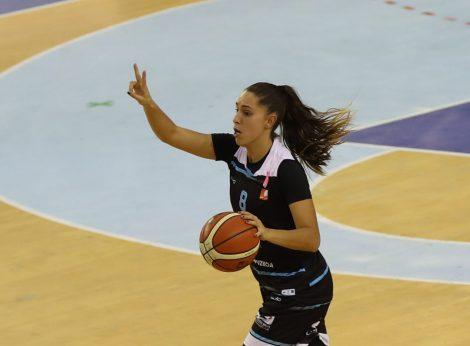 Lara Gonzalez. Luis García